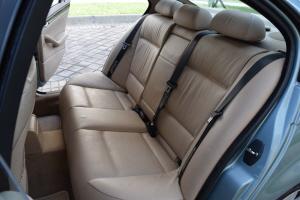 2003 BMW 325i