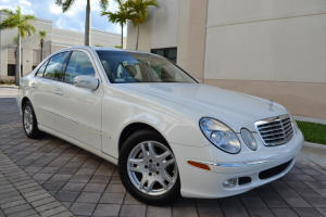 To change image, hover mouse over thumbnails below